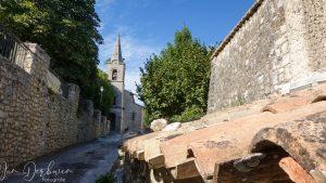 oude kerk in dorpje